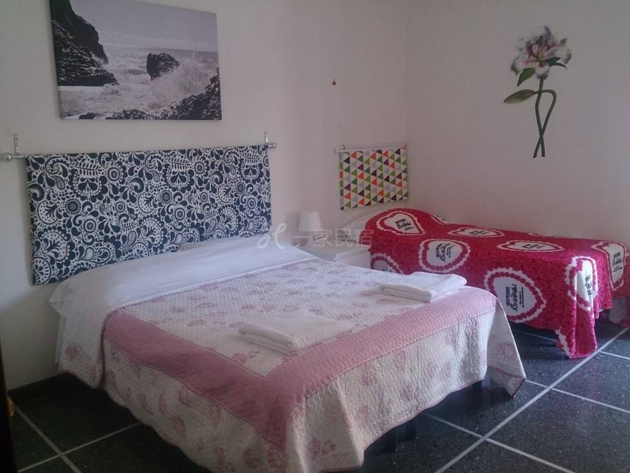 佛罗伦萨开心家庭旅馆四人间(公用卫生间)