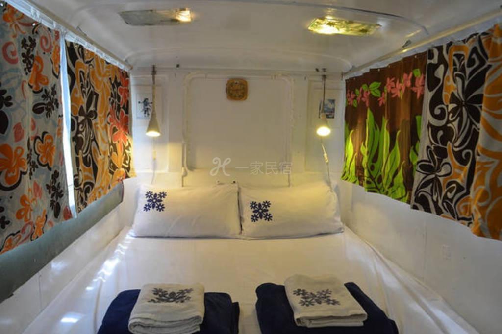 垦丁 2人住的露营车床 Camping Vam