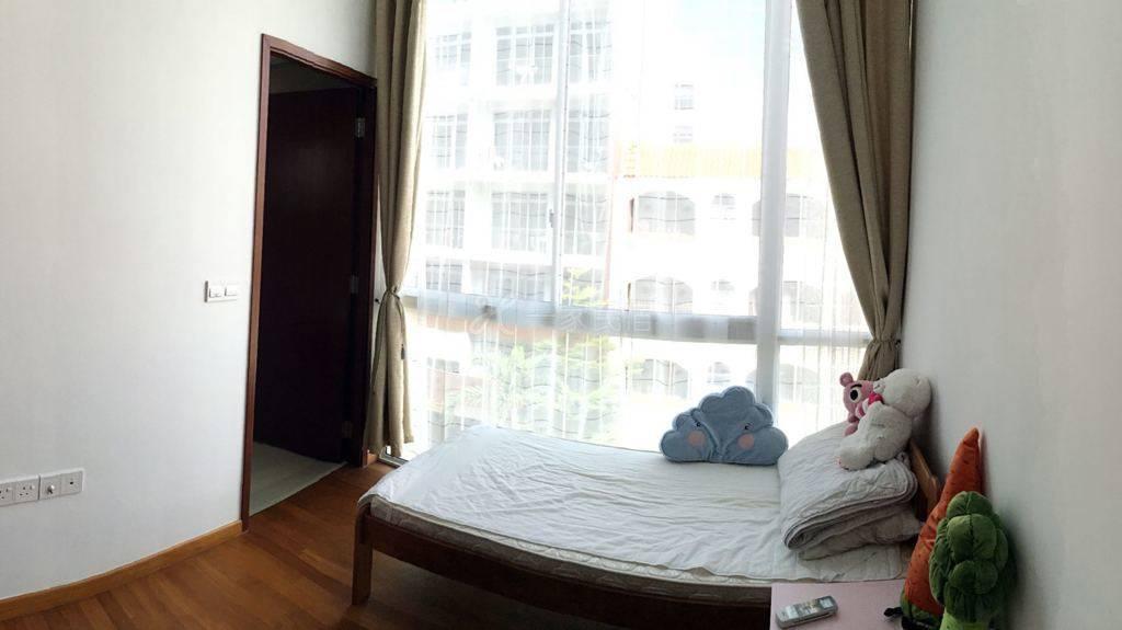 近新加坡市中心单间公寓卧室加独立卫生间