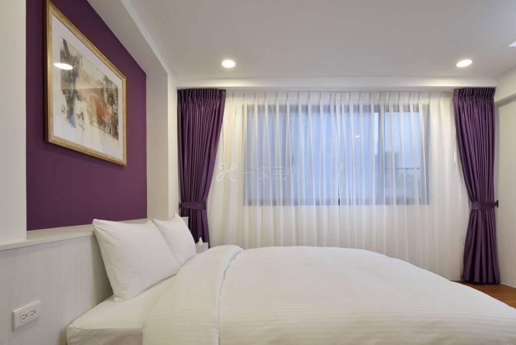 豪华型双人大床。全新装修。质感高雅