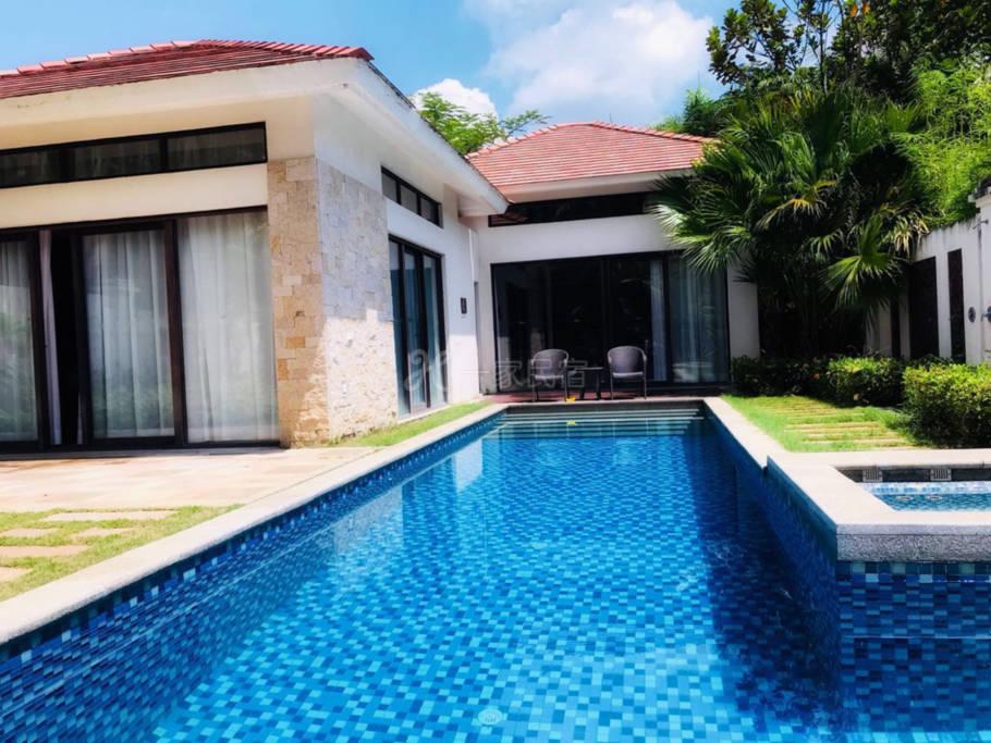 三亚亚龙湾东南亚独居临海泳池别墅